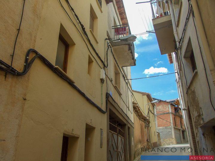 Casa en la calle Joaquín Costa 17